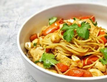 Nouilles sautées à l'asiatique au poulet et poivrons ©Mon Assiette Gourmande par Maud J